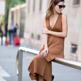 Dámské šaty bez rukávů