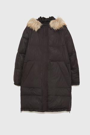 Zara Péřový kabát s kapucí