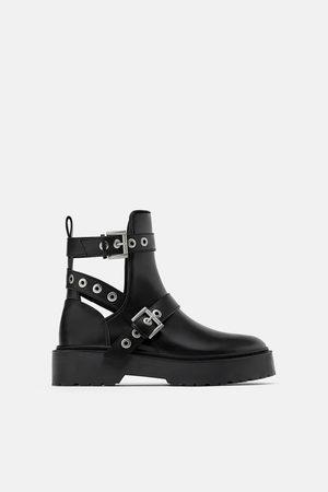 Zara Motorkářské kotníčkové boty cut out