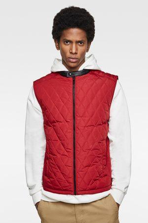 Zara Prošívaná vesta s motivem kosočtverce