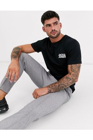 Jack & Jones Essentials t-shirt with chest logo in black