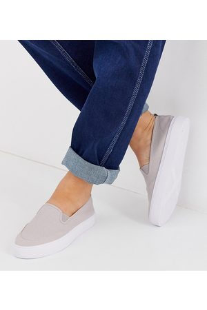 ASOS Wide Fit Dexter slip on plimsolls in grey
