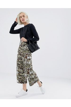 ASOS Cropped wide leg trouser with belt in camo animal-Multi