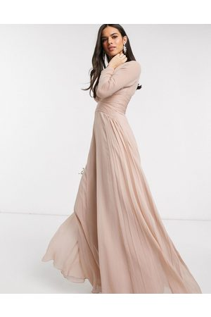 ASOS Ženy Maxi - Bridesmaid ruched waist maxi dress with long sleeves and pleat skirt-Multi