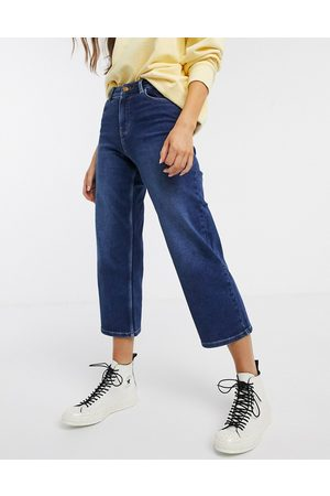 Pieces Wide leg cropped jeans in dark blue denim