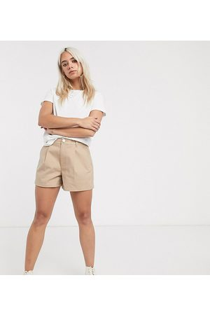 ASOS ASOS DESIGN Petite chino short in stone-Beige