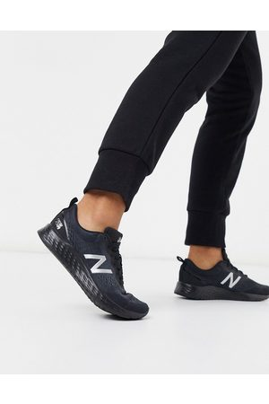 New Balance Ženy Sportovní boty - Running Arishi trainers in triple black