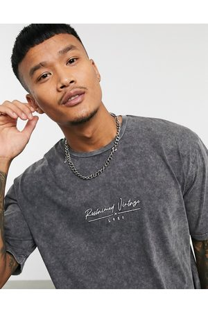 Reclaimed Vintage Inspired oversized boxy t-shirt with logo in washed grey