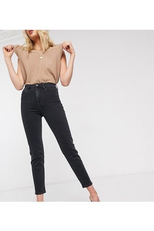 Stradivarius Tall slim mom jean with stretch in black
