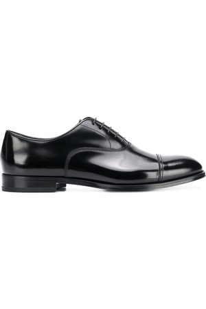 Doucal's Classic oxford shoes