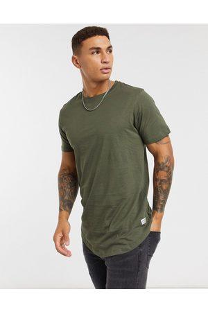 Jack & Jones Muži S krátkým rukávem - Essentials longline t-shirt with curve hem in khaki-Green