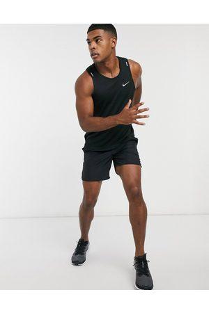 Nike Miler tank in black