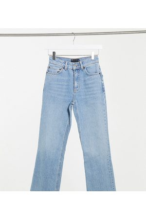 ASOS ASOS DESIGN Petite high rise stretch 'effortless' crop kick flare jeans in lightwash-Blue