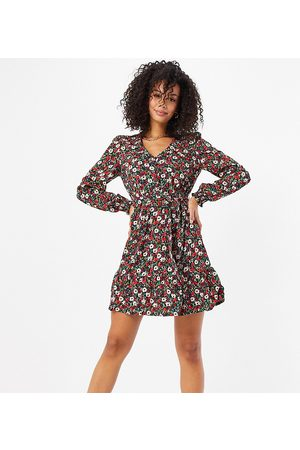 New Look Belted tea dress in floral print-Black