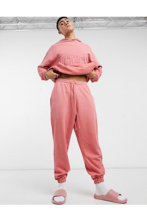 ASOS Actual Muži Tepláky - Co-ord oversized joggers in faded rose wash with back pocket embroidery-Pink