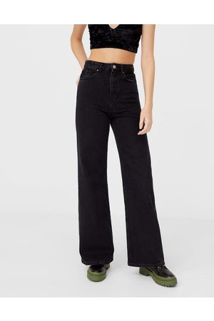 Stradivarius 90s super wide leg jean in black