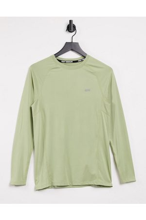 ASOS Muscle training long sleeve t-shirt with quick dry in sage-Green