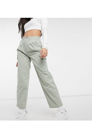 ASOS ASOS DESIGN Petite chino trouser with cargo pockets in sage-Green