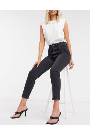 Stradivarius Organic cotton slim mom jean with stretch in black