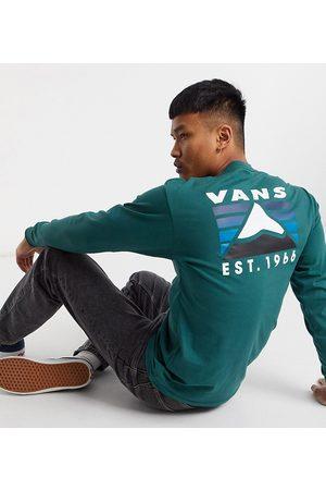 Vans Muži S dlouhým rukávem - Mountain back print long sleeve t-shirt in green Exclusive at ASOS