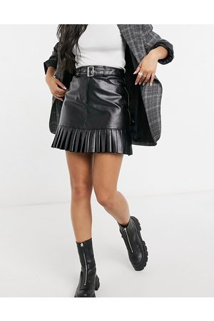 VIOLET ROMANCE Belted PU mini skirt with pleated hem in black