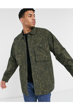 Levi's Levi's hayes oversized camo print overshirt jacket in scratchy green