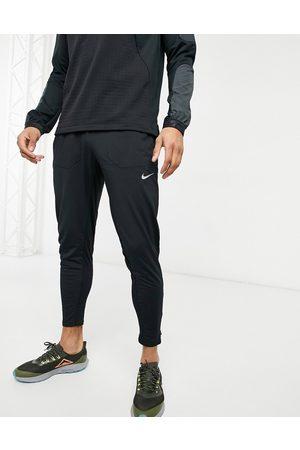Nike Phenom joggers in black