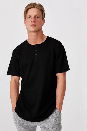 Cotton On Muži Trička - Černé tričko Henley