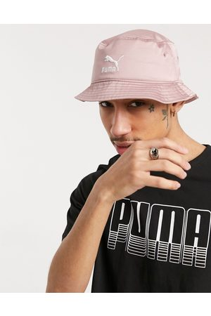 PUMA Satin bucket hat in pink