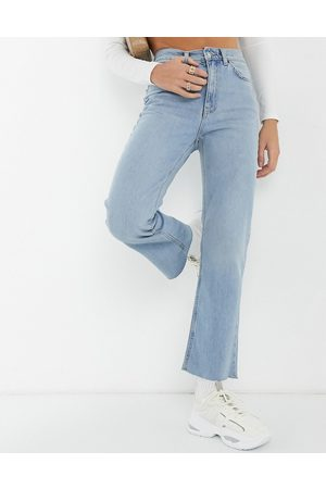ASOS High rise stretch 'effortless' crop kick flare jeans in lightwash-Blue