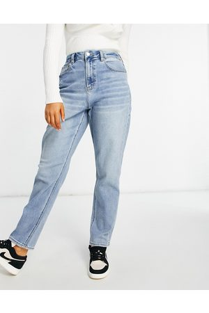 AMERICAN EAGLE Mom jeans in light wash blue