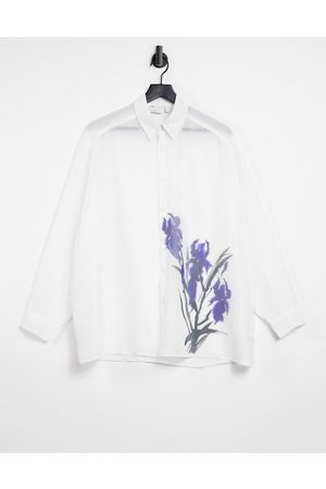 ASOS Muži Volnočasové - Super oversized shirt in white sheer with placement floral