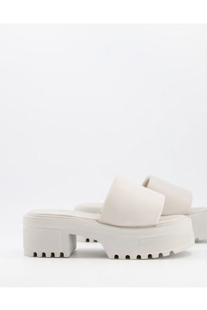 ASOS Ženy S otevřenou špičkou - Tile chunky padded mid heeled sandals in off white