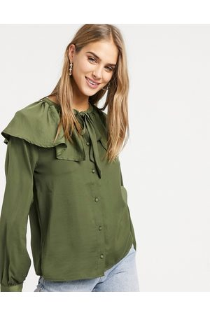 Vila Ženy Halenky - Blouse with exagerated tie collar and balloon sleeve in green