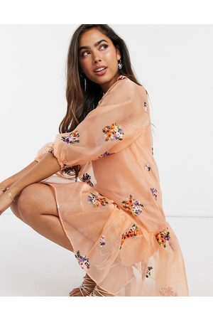 ASOS Ženy Na párty - Organza embroidered mini smock dress with balloon sleeves in peach-Pink