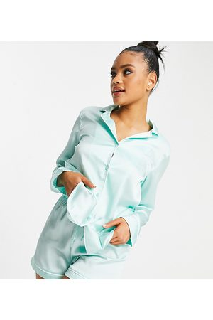 Missguided Short pyjama set with script detail in mint-Green