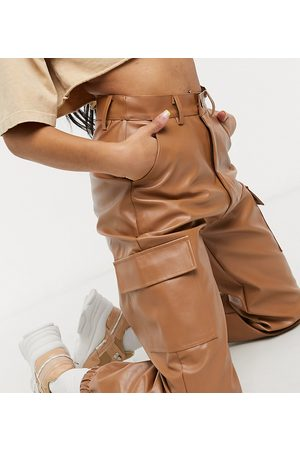 Missguided Ženy Kapsáče - Faux leather cargo trouser in toffee-Brown
