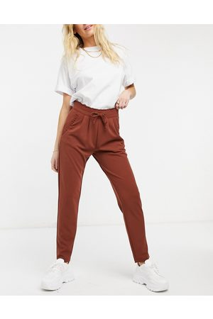 JDY Catia fold up tailored slim trouser in cherry mahogany
