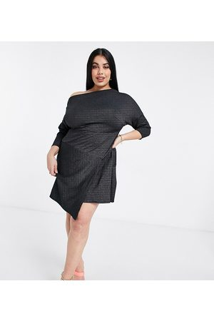 Closet Ženy Volnočasové - Off shoulder cropped sleeve wrap mini dress in black