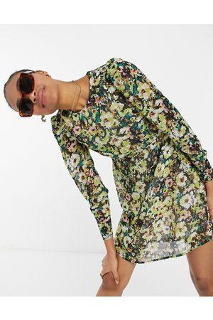 Vero Moda Ženy Volnočasové - Mini skater dress in green floral-Multi
