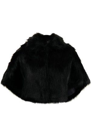 Unreal Fur Ženy Pončové kabáty - Nord faux-fur cape
