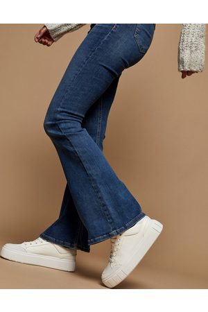 Topshop Ženy Bootcut - Flared jeans in mid wash blue