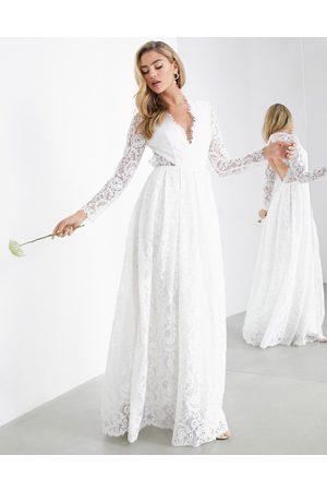 ASOS Ženy Na párty - Penelope V neck lace wedding dress with open back-White