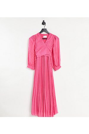 ASOS ASOS DESIGN Maternity nursing pleated tie wrap around midi dress in chevron dobby in pink