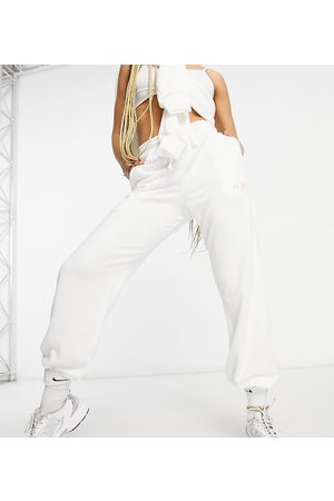 AsYou Ženy Tepláky - Co-ord drawstring jogger with polaroid graphic in white