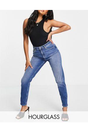ASOS Ženy S vysokým pasem - Hourglass high rise farleigh 'slim' mom jeans in midwash-Blue