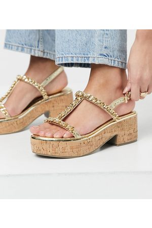 ASOS DESIGN Ženy Sandály - Wide Fit Welcoming chain detail flatform in gold