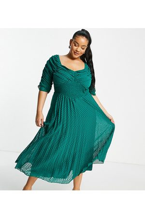 ASOS Ženy Midi - ASOS DESIGN Curve ruched front pleated midi dress with shirred waist in chevron dobby in forest green