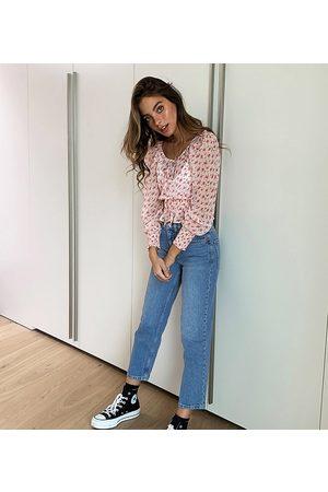 ASOS ASOS DESIGN Petite high rise stretch 'slim' straight leg jeans in mid vintage wash-Blue