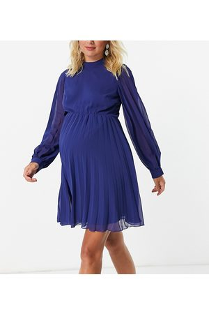 ASOS Ženy Na párty - ASOS DESIGN Maternity high neck pleated long sleeve skater mini dress in navy